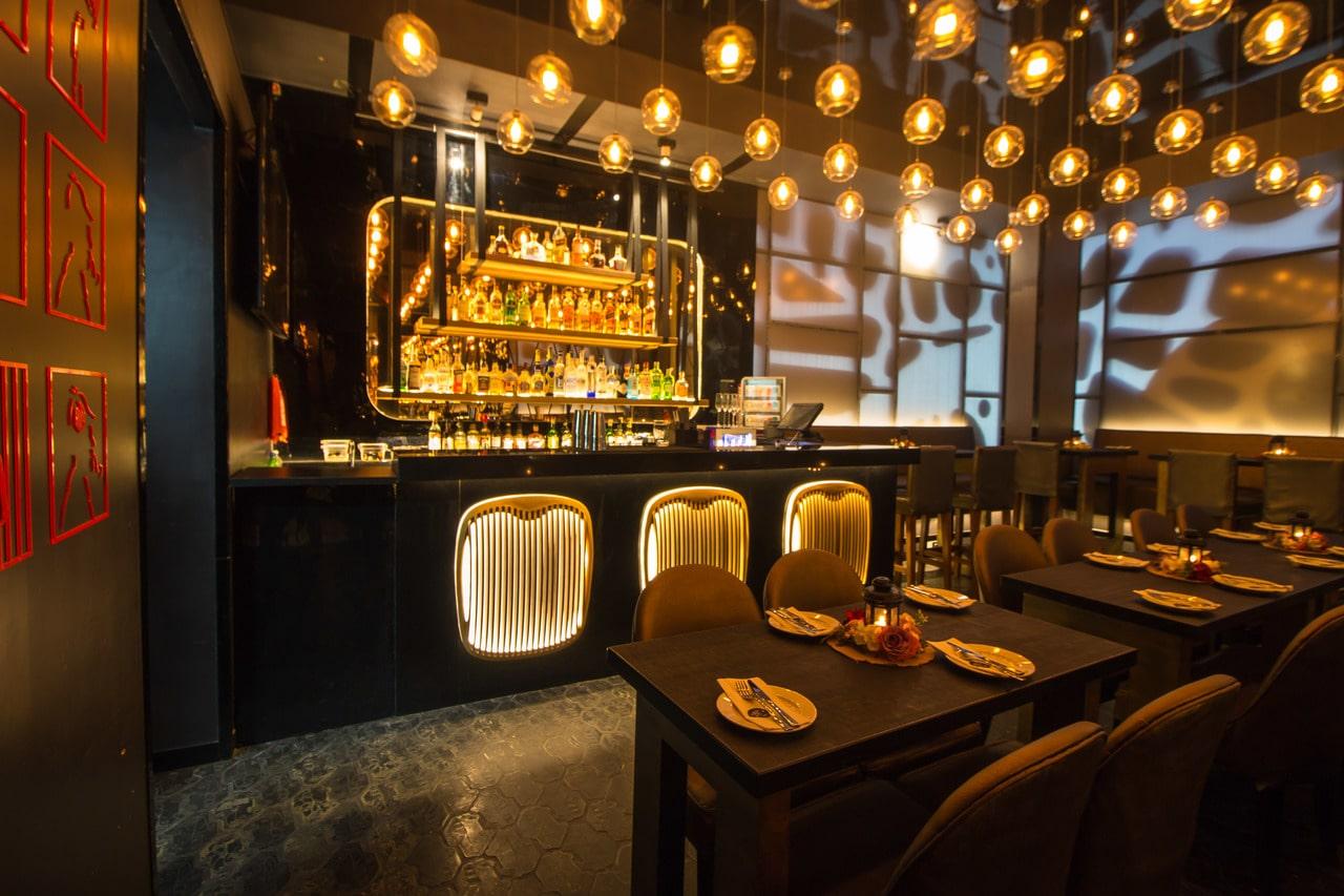 london-taxi-bar-diner-lounge-interior-design-parel-mumbai-1