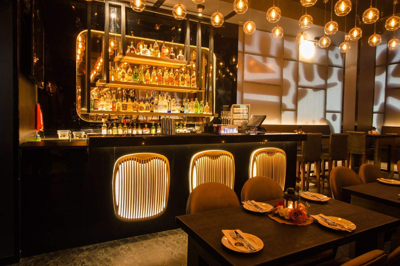 london-taxi-bar-diner-lounge-interior-design-parel-mumbai-2