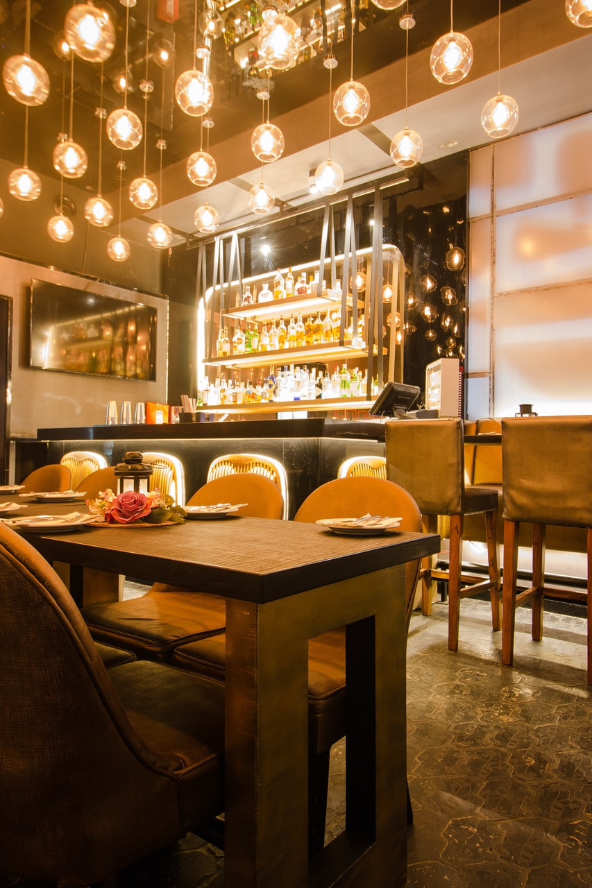 london-taxi-bar-diner-lounge-interior-design-parel-mumbai-5