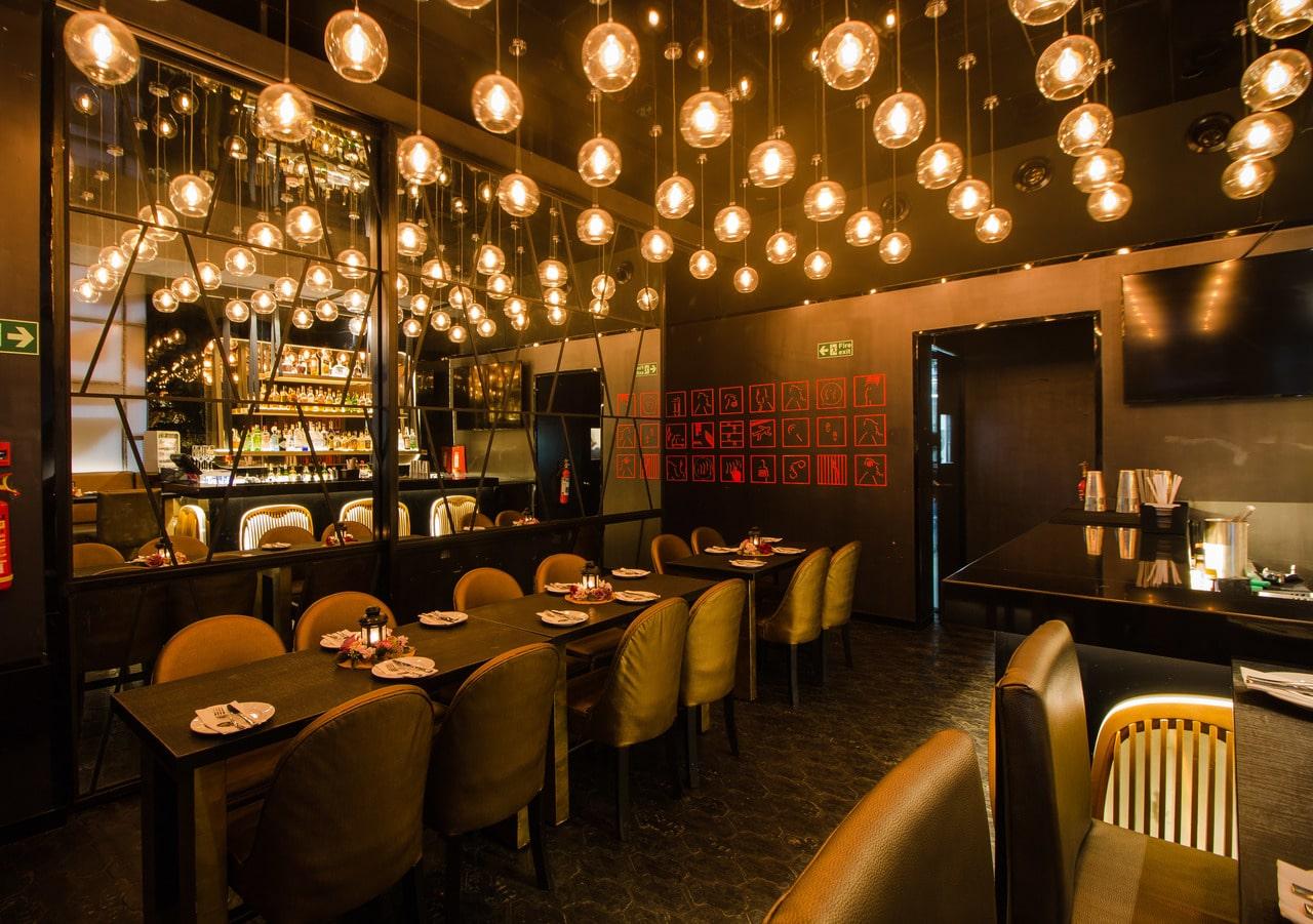 london-taxi-bar-diner-lounge-interior-design-parel-mumbai-6