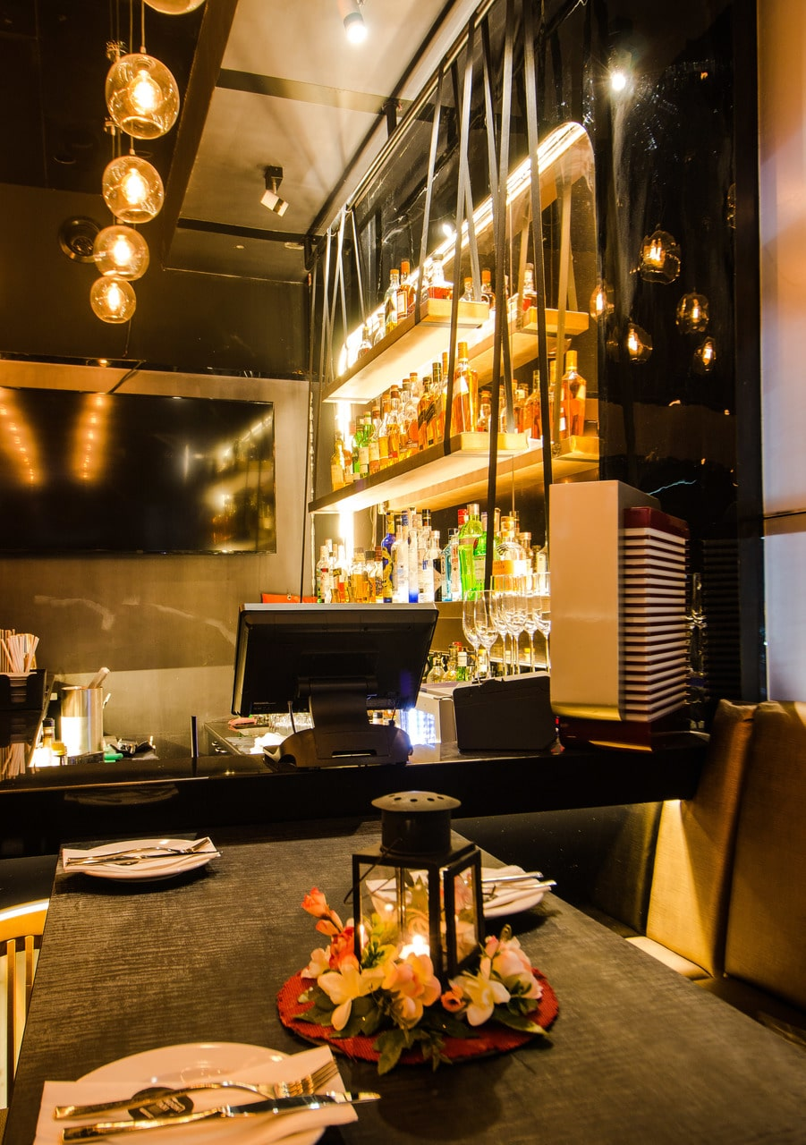 london-taxi-bar-diner-lounge-interior-design-parel-mumbai-7