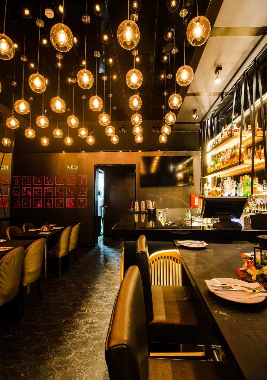 london-taxi-bar-diner-lounge-interior-design-parel-mumbai-8
