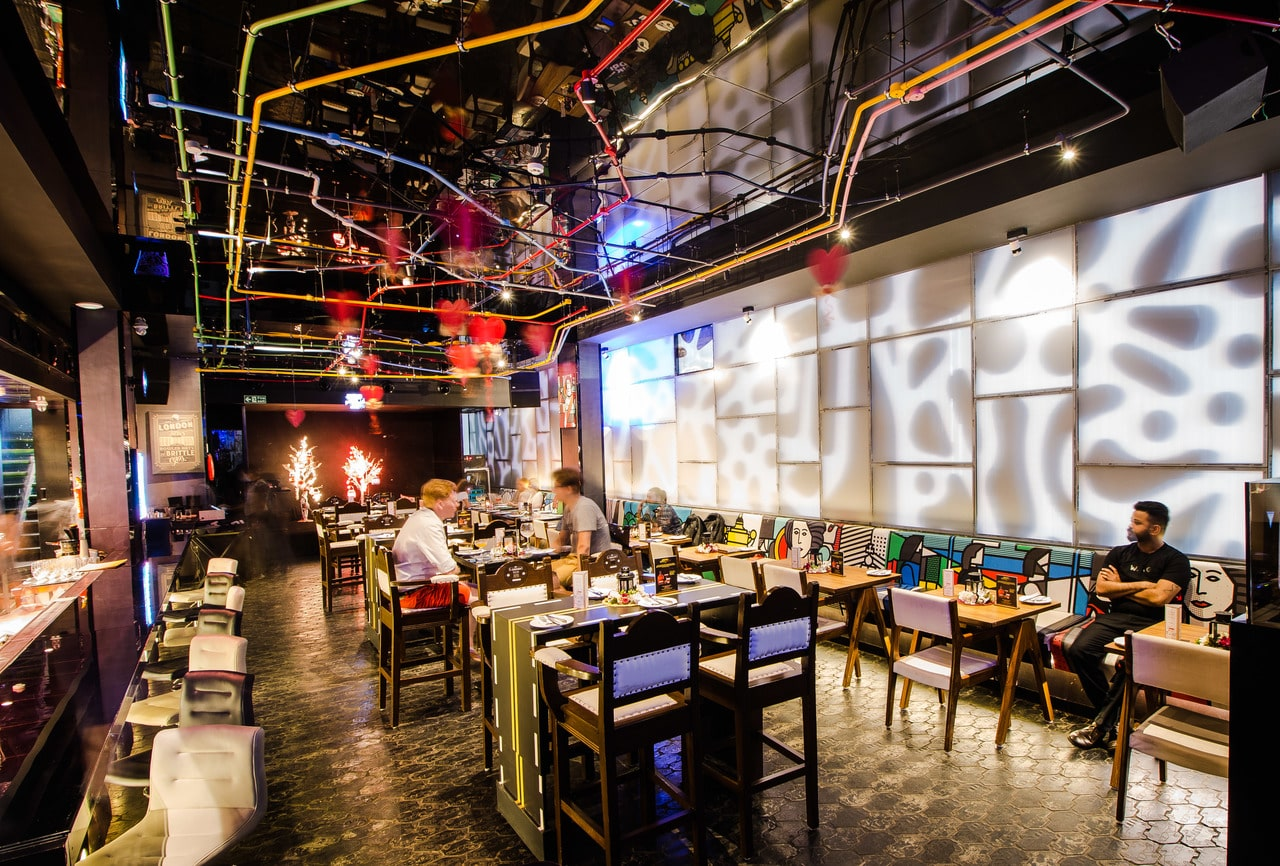 london-taxi-bar-diner-lounge-interior-design-parel-mumbai-9
