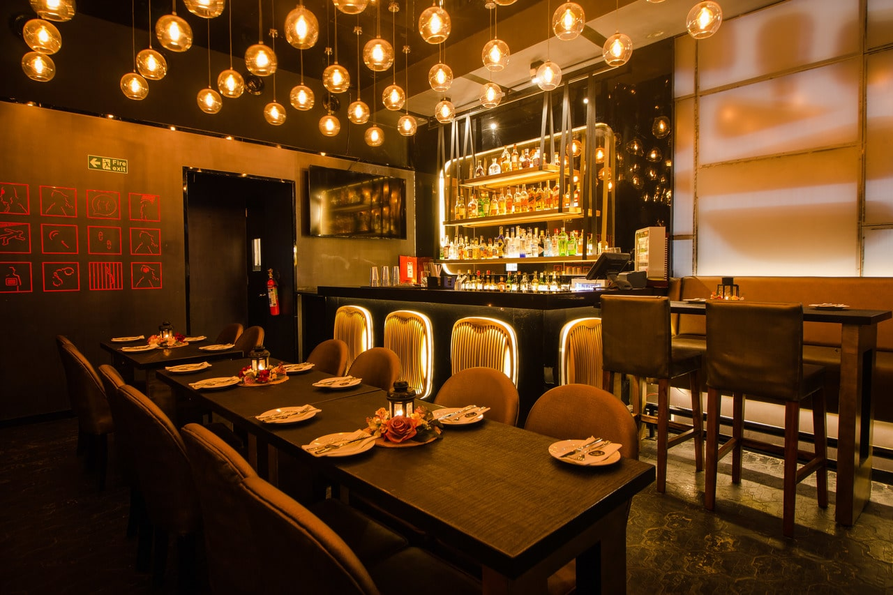 london-taxi-bar-diner-lounge-interior-design-parel-mumbai-4